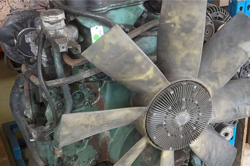Volvo 2005 Volvo Used Engine Truck spares and parts