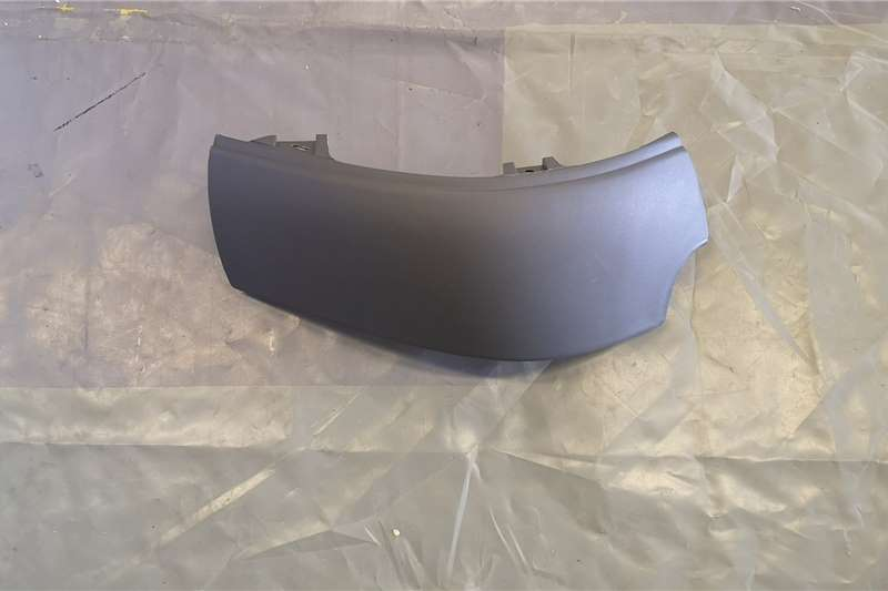 Volvo Body Volvo Front Right Plastic Bumper Truck spares and parts