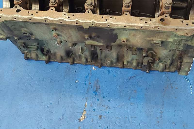 Volvo Engines Volvo D12C Engine Block Truck spares and parts