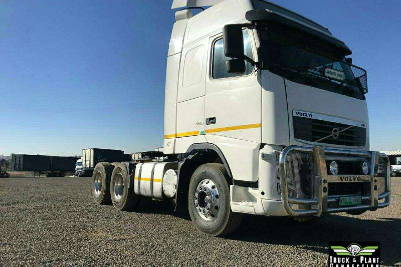 Volvo Truck-Tractor Double axle 2011 Volvo FH480 Globetrotter 2011