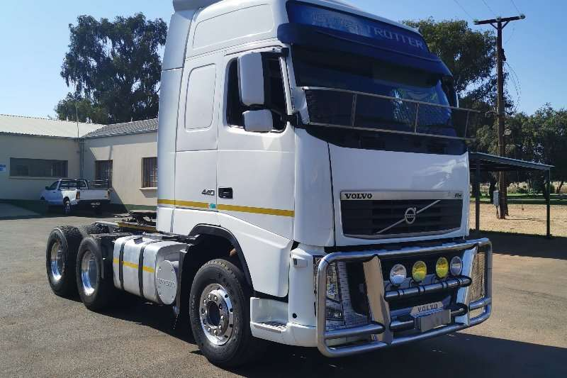 Volvo Truck-Tractor Double Axle 2012 FH 440 Globetrotter 2012
