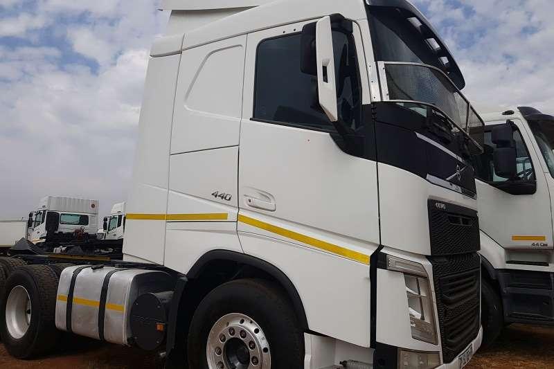 Volvo Truck-Tractor Double axle 2015 Used Volvo FH 440 double axle 2015