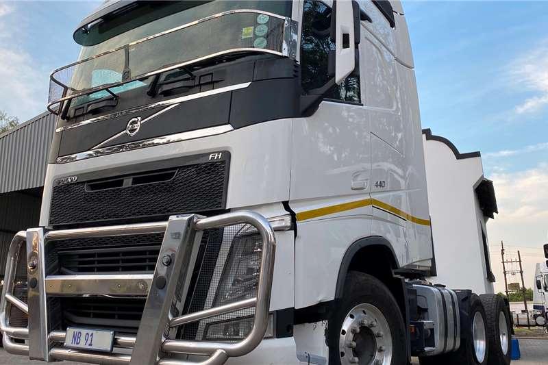 Volvo Truck-Tractor Double axle 2016 VOLVO FH 440 TT 6X4 V4 2016