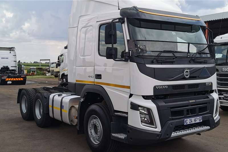 Volvo Truck-Tractor Double axle 2017 FMX 440 2017