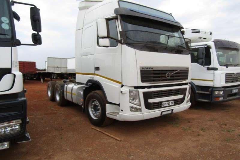 Volvo Truck-Tractor Double axle 440 2019