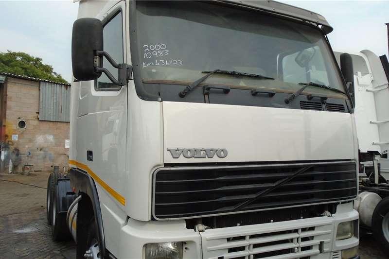 Volvo Truck-Tractor Double axle 460 2000