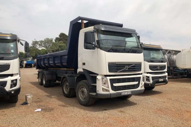 Volvo Truck-Tractor Double axle FH 400 8x6 Twinsteer 15m³ Tipper Truck 2012