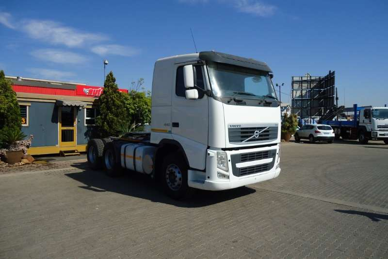 Volvo Truck-Tractor Double axle FH 440 T/T C/C 2014