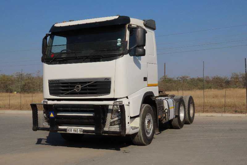 Volvo Truck-Tractor Double axle FH13 6X4 440 2013
