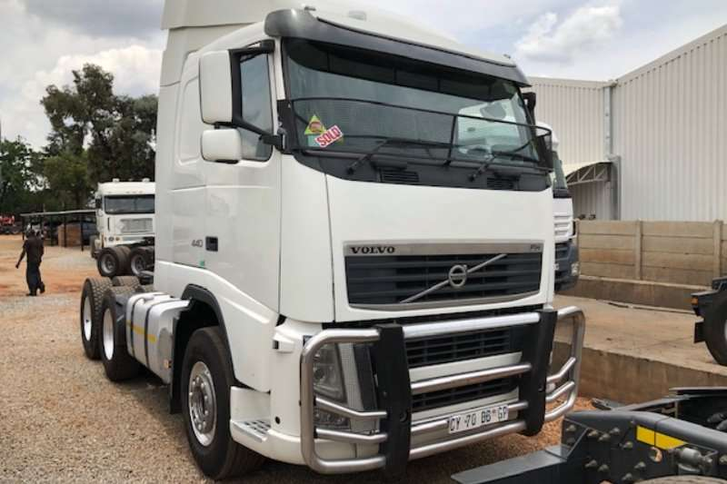 Volvo Truck-Tractor Double axle FH440 6x4 T/T 2014