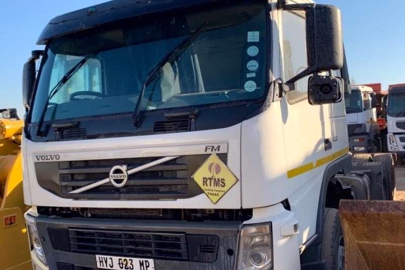 Volvo Truck-Tractor Double axle FM400 (NON RUNNER) 2012