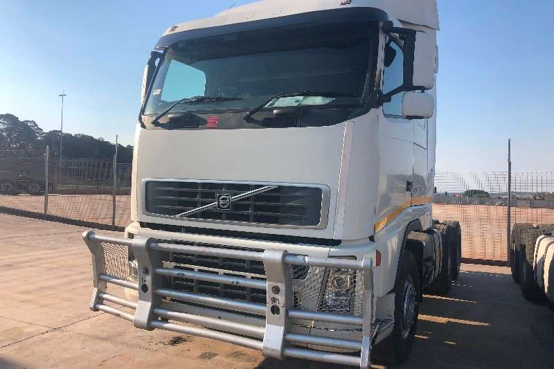 Volvo Truck-Tractor Double Axle VOLVO FH 13 480 HP 6X4 T/T HUBREDUCTION 2007