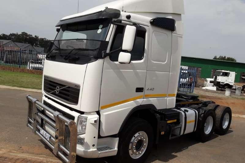 Volvo Truck-Tractor Double axle VOLVO FH 13 6X4 T/T 2013