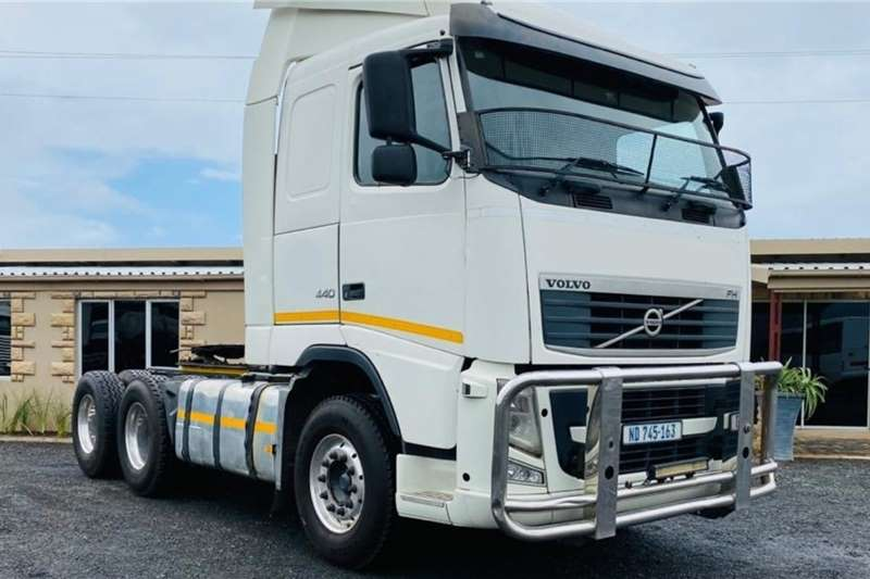 Volvo Truck-Tractor Double axle Volvo FH 440, 6x4 Truck Tractor, Good Condition 2011