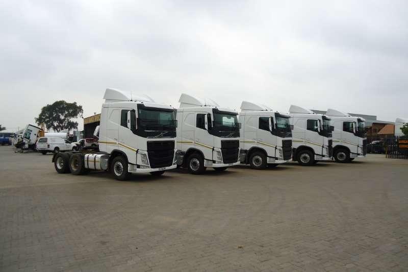 Volvo Truck-Tractor Double axle VOLVO FH 440 VERSION 4 2015