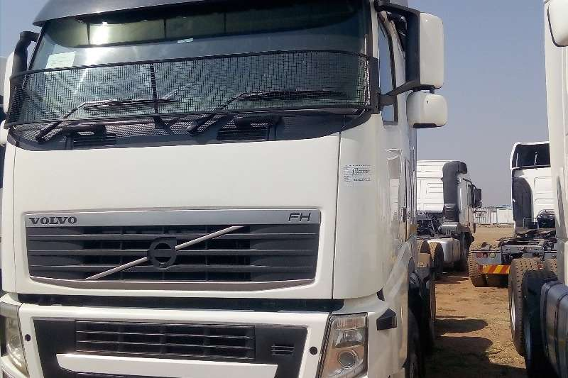 Volvo Truck-Tractor Double axle VOLVO FH 480 HORSE POWER 2012