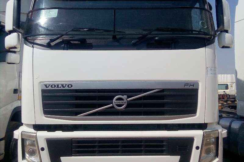 Volvo Truck-Tractor Double axle VOLVO FH 480 HORSE POWER 2013
