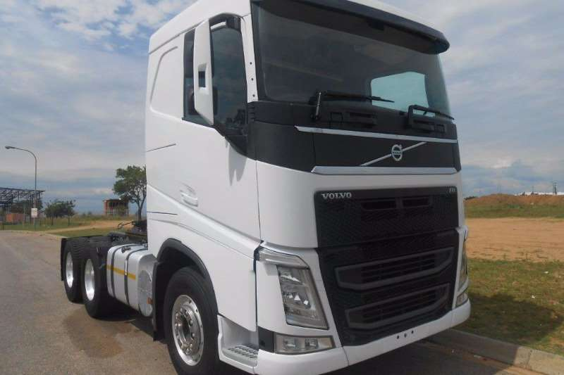 2015 Volvo Volvo Fh4 6 X 4 Mechanical Horse  Vin No  Yv2rs02d Double Axle Truck