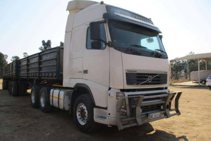 Volvo Truck-Tractor Double axle VOLVO FH440 6X4 MECHANICAL HORSE 2013