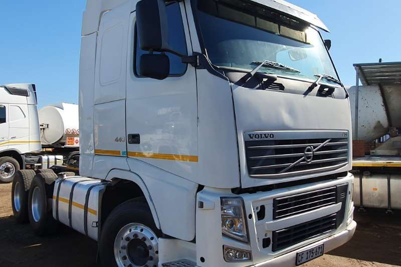 Volvo Truck-Tractor Double axle VOLVO FH440 6x4 MECHANICAL HORSE