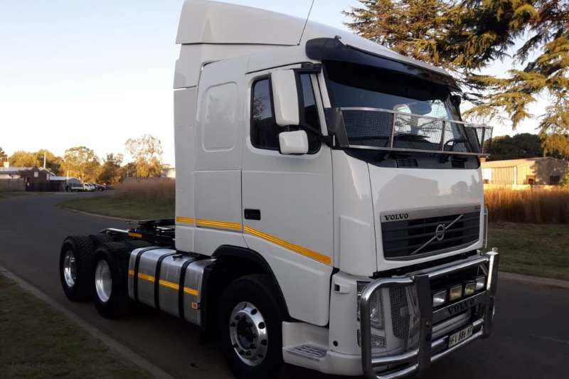 Volvo Truck-Tractor Double axle VOLVO FH440 6X4 T/T 2013