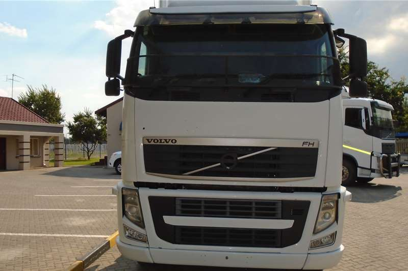 Volvo Truck-Tractor Double axle Volvo FH480 2011