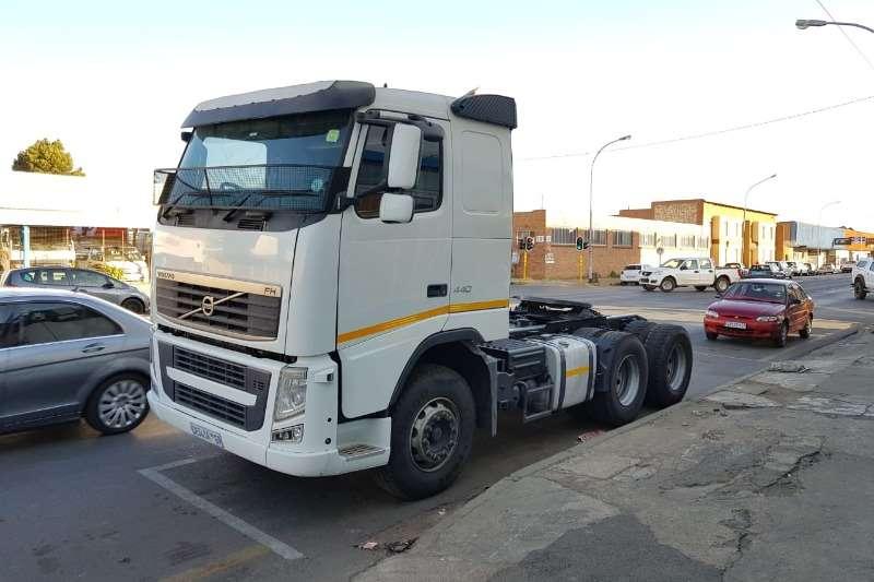 Volvo Truck-Tractor FH 440 6x4 2013
