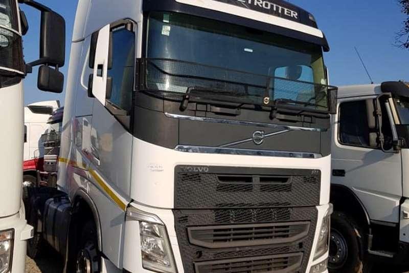 Volvo Truck-Tractor FH 480 6x4 T/T C/C Sleep 2015