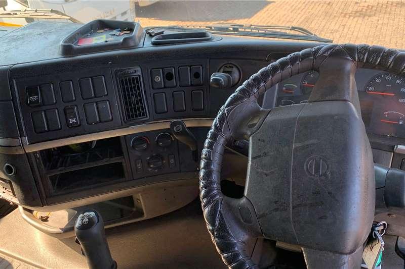 Volvo 2006 VOLVO FH420 Truck tractors