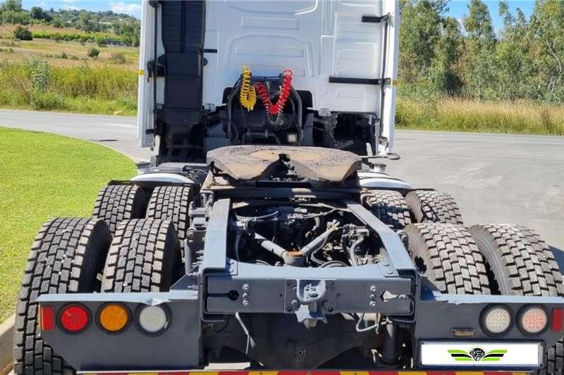Volvo 2015 Volvo FH440 Globetrotter Truck tractors