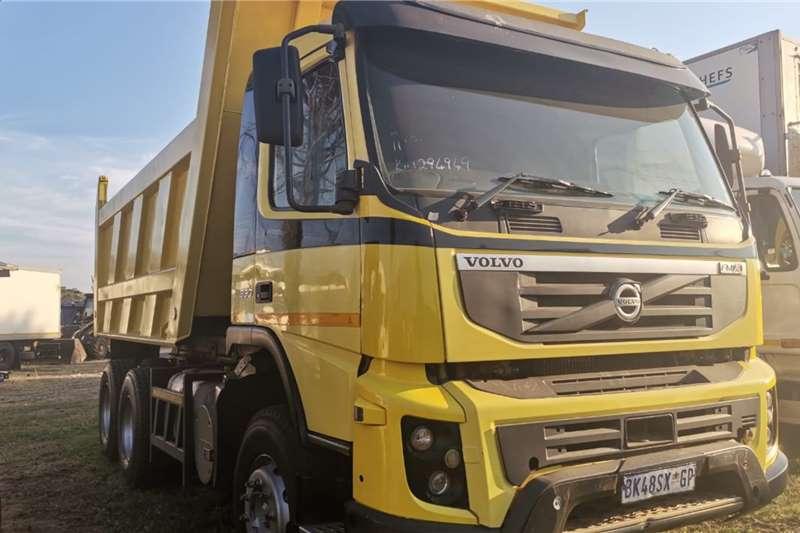 Volvo 330 Truck tractors