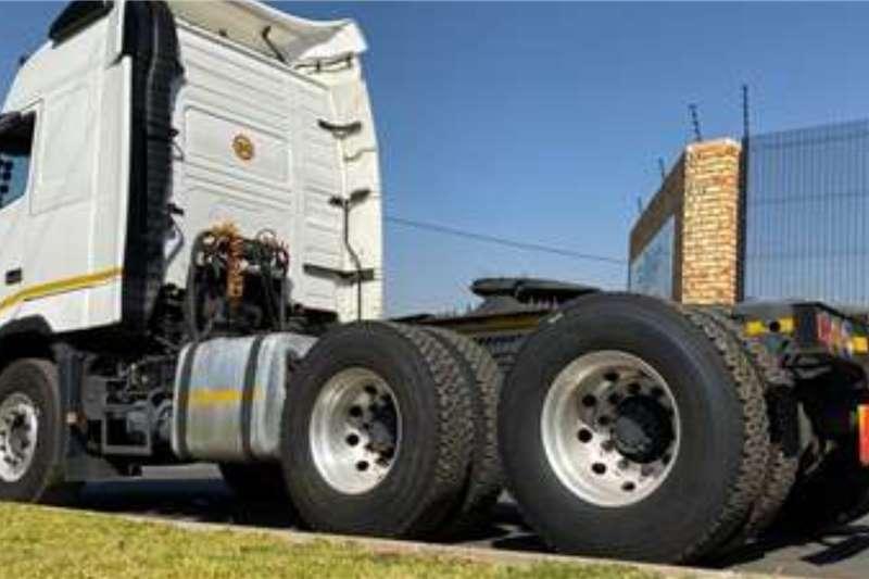 Volvo Double axle 2014 Volvo FH440 Globetrotter Truck tractors
