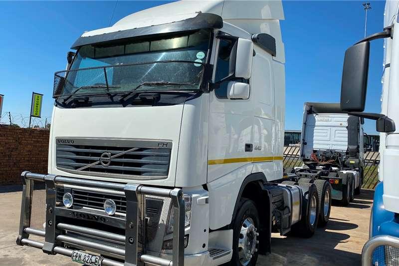 Volvo Double axle FH 440 Truck tractors