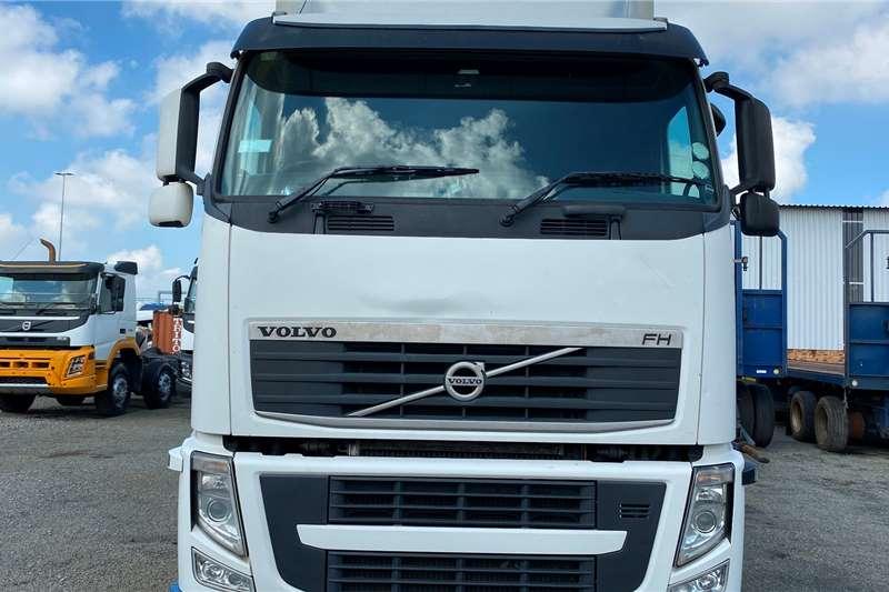 Volvo Double axle FH 440 Rigid Flatdeck Truck tractors