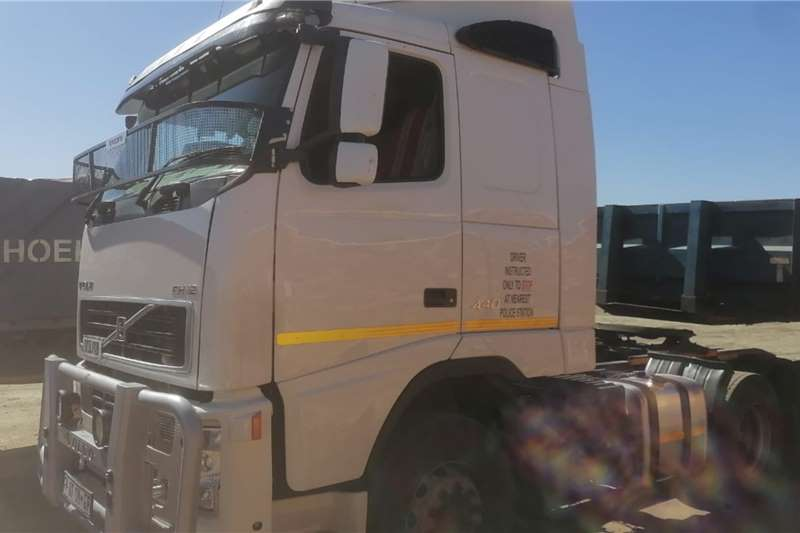 Volvo Double axle FH12 420 V2 Truck tractors