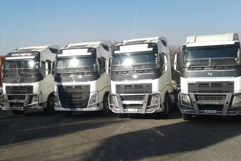Volvo Double axle Fh440 globetrotter Truck tractors