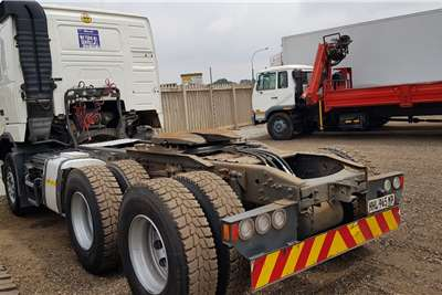 Volvo Double axle FH440 V3 Retarder, New rear Tyres, Free Hydroulics Truck tractors