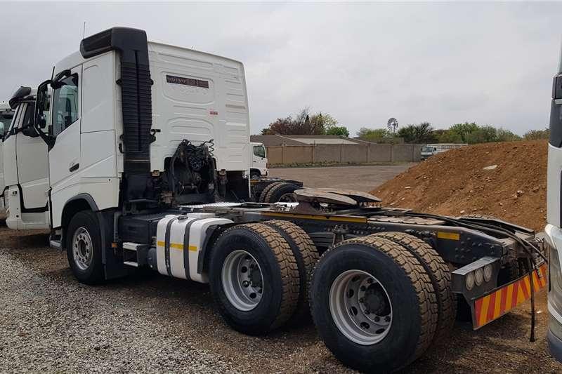 Volvo Double axle FH440 V4 Retarder, new Rear Tyres Truck tractors