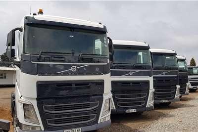Volvo Double axle FH440 Version 4 Retarder, free Hydraulics Truck tractors