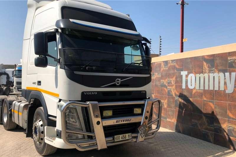 Volvo Truck tractors Double axle FM440 2015