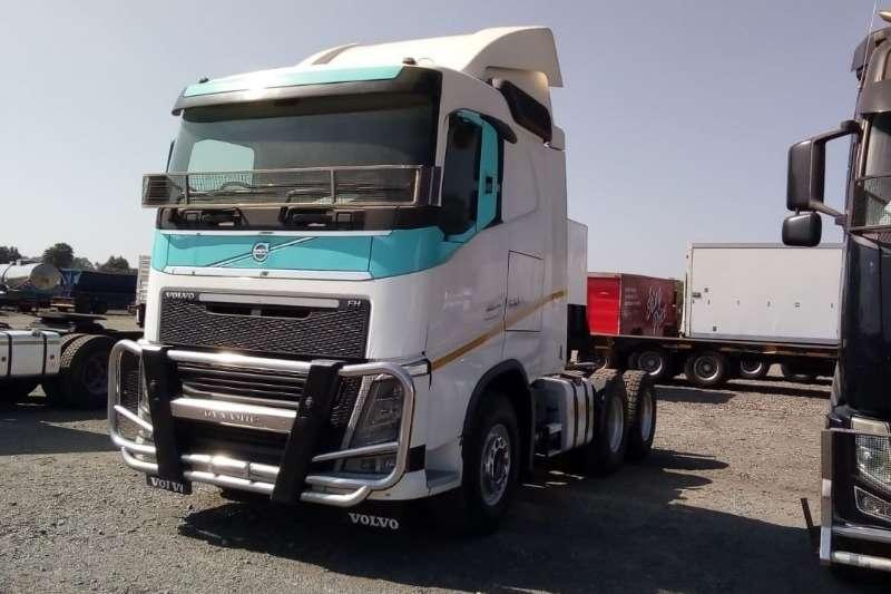 Volvo Truck tractors Double axle V4 440 6x4 Truck Tractor 2015