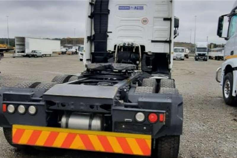 Volvo Double axle V4 440 6x4 Truck Tractor Truck tractors