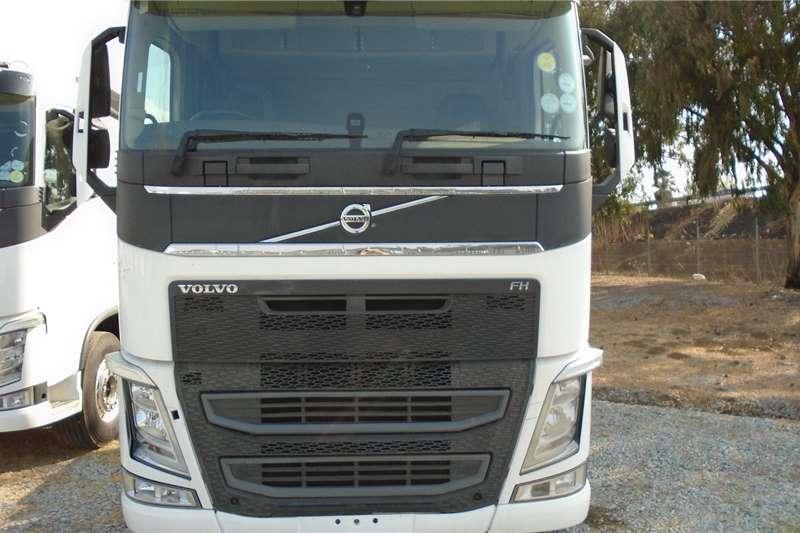 Volvo Double axle Volvo FH 440 Truck tractors