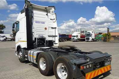 Volvo Double axle VOLVO FH 440 (4) GLOBETROTTER T/T C/C #6604 Truck tractors