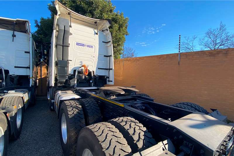 Volvo Double axle VOLVO FH 440 6X4 T/T Truck tractors