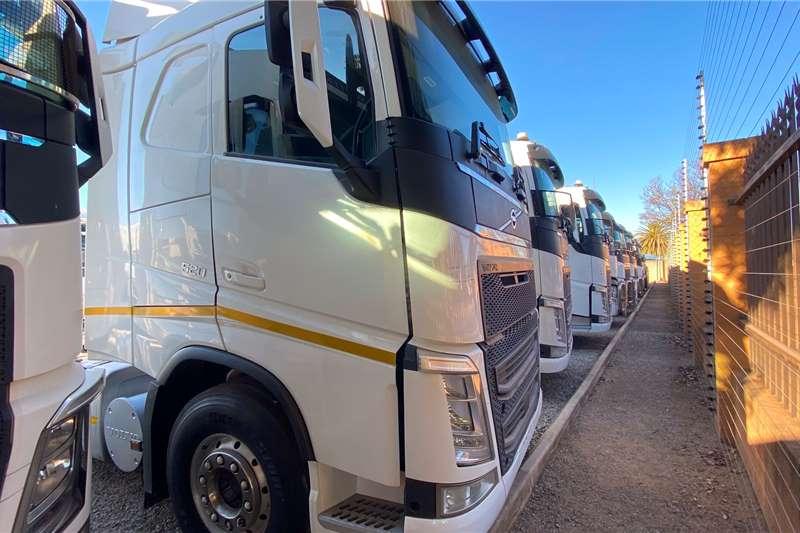 Volvo Double axle VOLVO FH 520 6X4 T/T Truck tractors