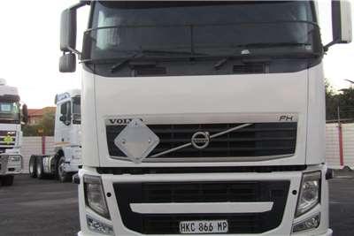 Volvo Double axle VOLVO FH440 Truck tractors