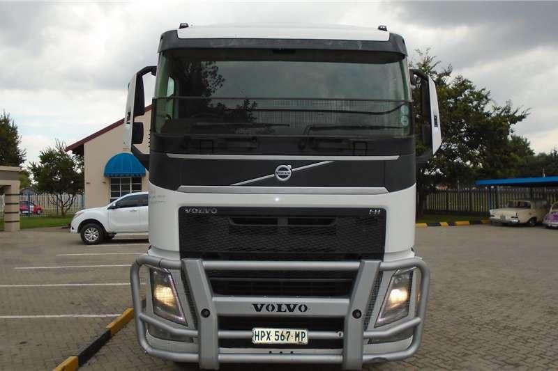Volvo Truck tractors Double axle Volvo FH440 2015
