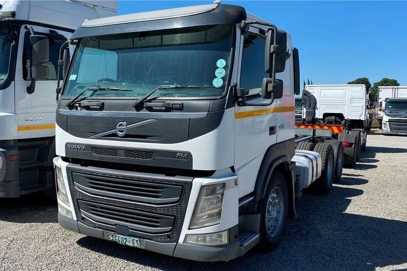 Volvo FM 400 TagAxle Truck tractors