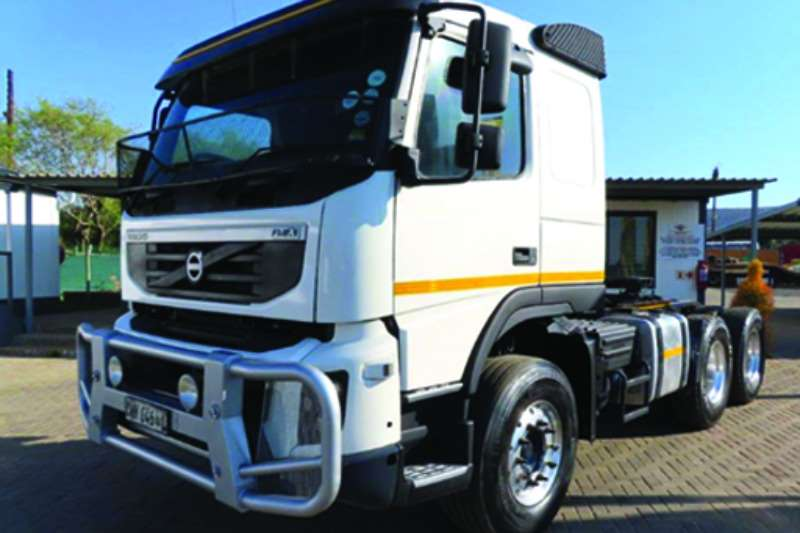 Volvo Truck tractors FMX 440 hp double diff fitted with Hydraulics 2013